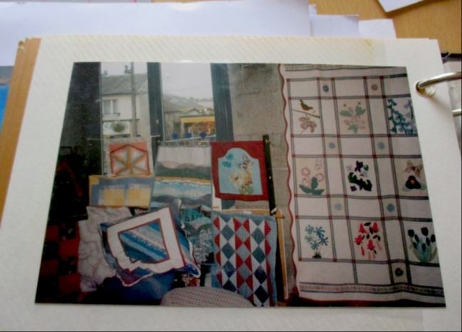 Some of Viv's Quilts found on her blog